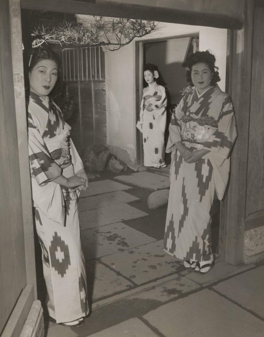 Geisha Girl Stock Photos & Pictures Royalty Free Geisha