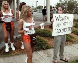 Hooters protest