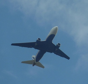 airliner in flight